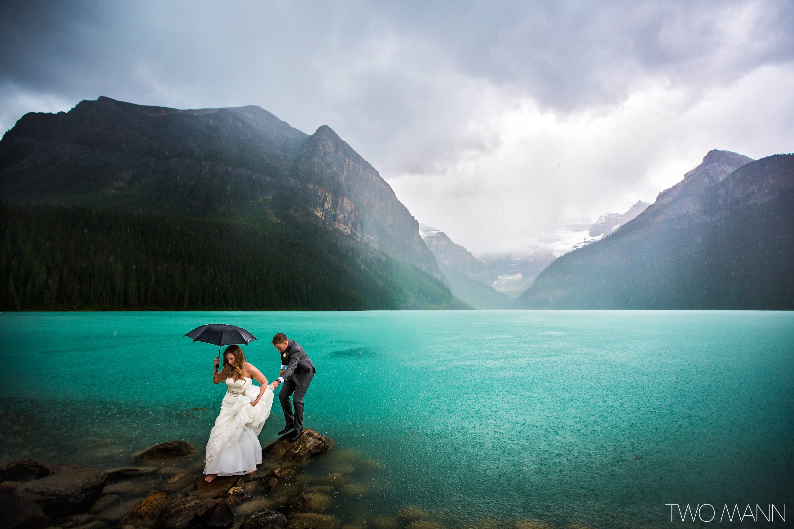 lake-louise-canada-wedding-photography-two-mann-bailey-doug-15
