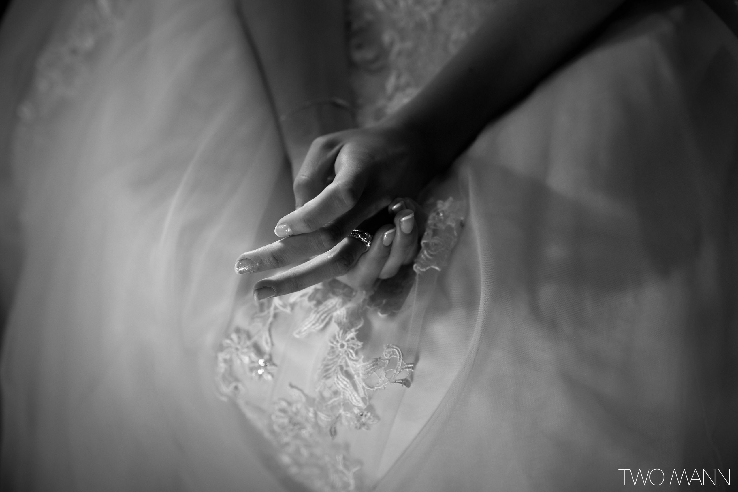 beautiful hands of the bride