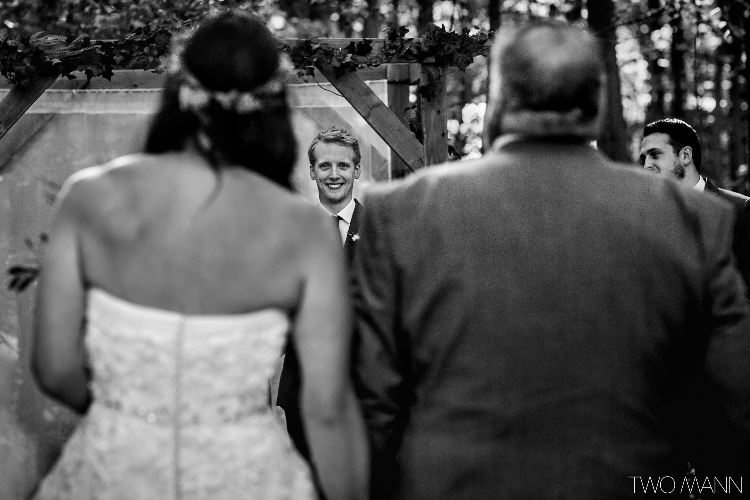 father walking daughter down the aisle
